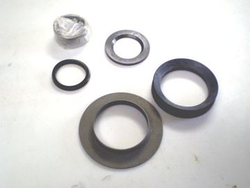 Picture of Front Axle Dana 44 Spindle Inner Needle Bearing And Seal Set with Thrust Washer