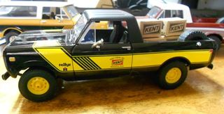 Picture of First Gear Diecast 1/25 Scale Scout Terra, Black/Yellow KENT FEEDS