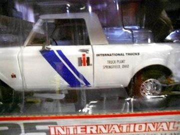 Picture of First Gear Diecast 1/25 Scale Scout Terra TRUCK PLANT-Springfield