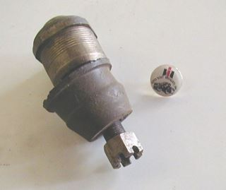 Picture of Upper Ball Joints, '74-'75 Pickup Travelall